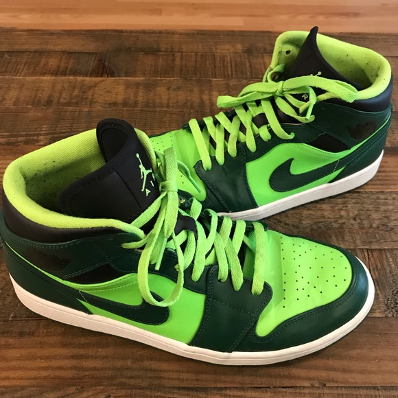 Nike Other - Men's Nike Air Jordan 1's - Green and Black